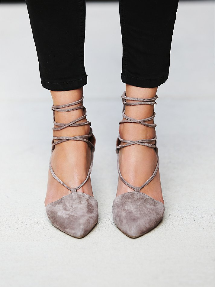Accessorize: The Power of The Fall Pump on TheDailyMonarch.com #shoes