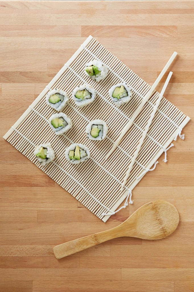 UO Kitchen Finds on TheDailyMonarch.com #monarch #kitchen #sushikit